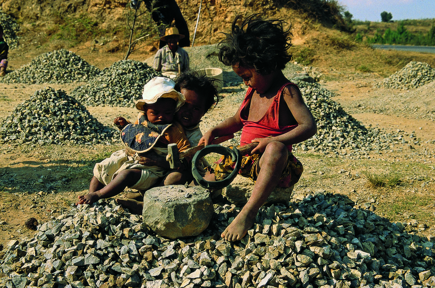 research paper child labour india In this paper we intend to give the scenario in which child labour gets increased  and various challenges that have emerged due to this particular problem, like.