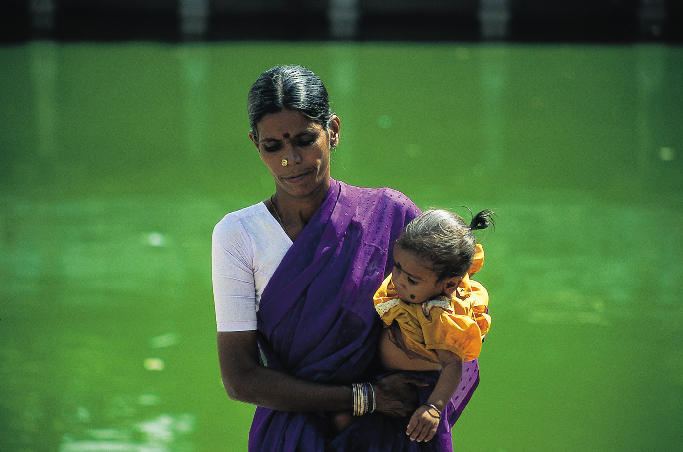 mother-and-child-india