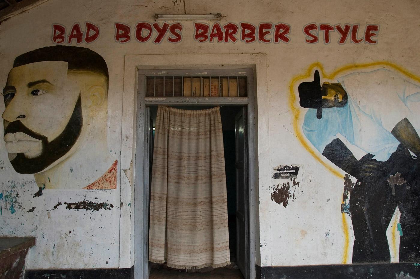 barber-shop-tanzania
